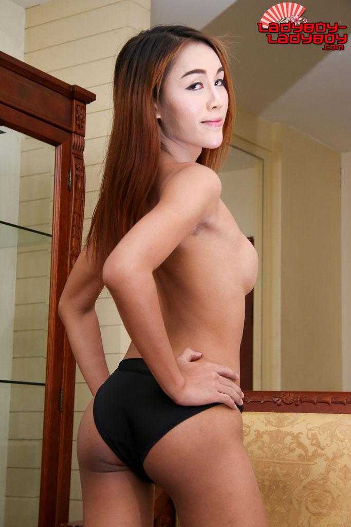 Wide hip naked girls