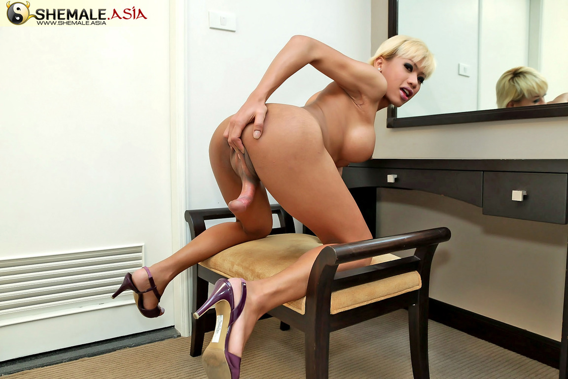 Wife that teases husband nude